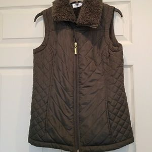 Quilted Vest with Faux Fur Collar